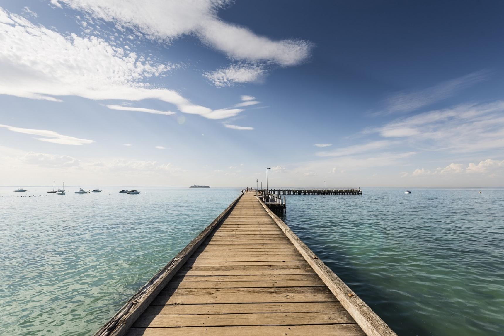 Mornington peninsula travel guide: safety beach melbourne girl.